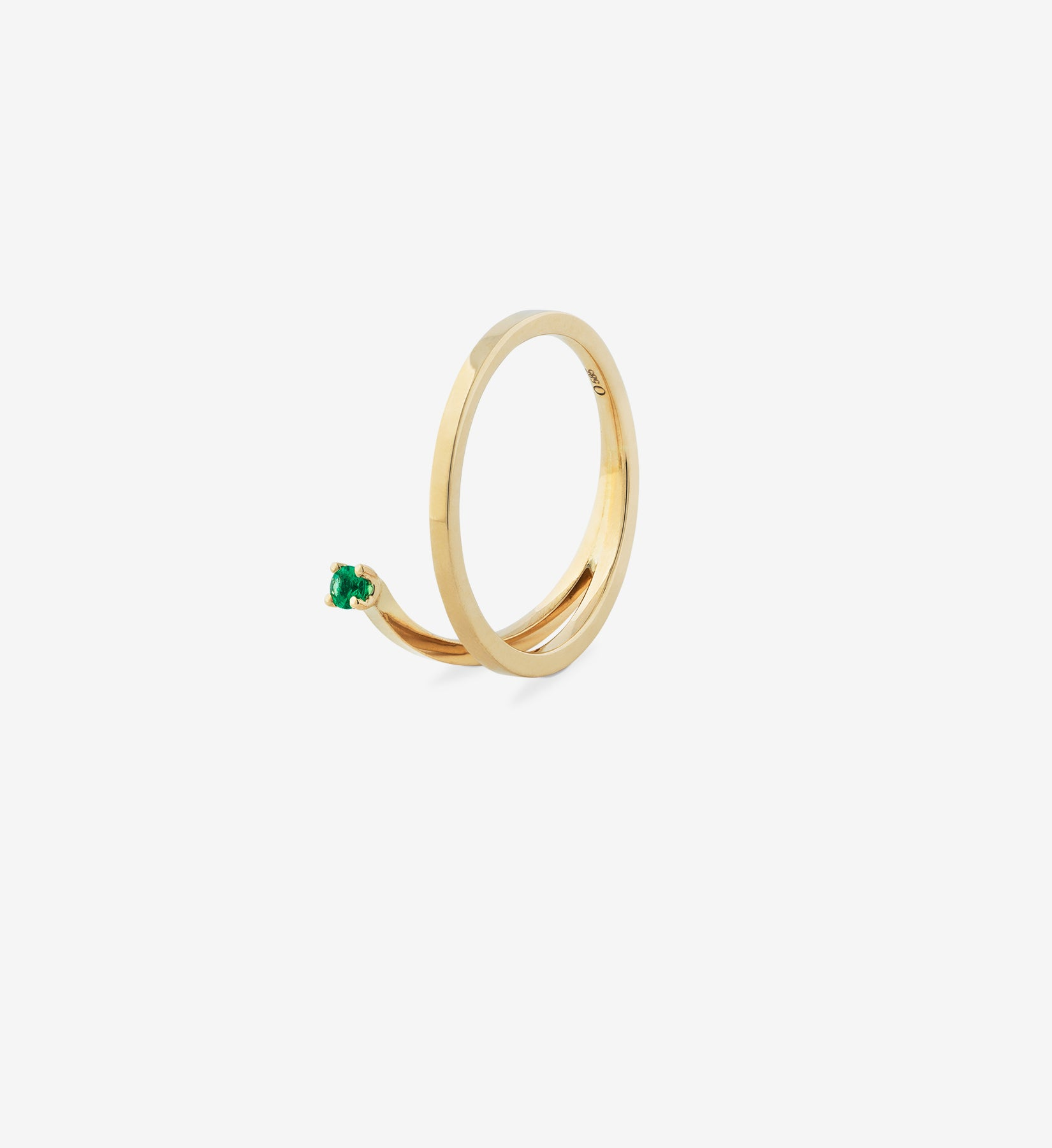OUVERTURE, Fine jewelry, 14K gold, diamonds, golden ring, diamond ring, golden earring, diamond earring. Handcrafted jewelry. Designed in Berlin. Honestly priced. Demifine. Earparty. Stacking rings. Engagement ring, wedding ring, solitaire diamond ring, floating diamond ring, emerald ring. floating emerald diamond spiral ring