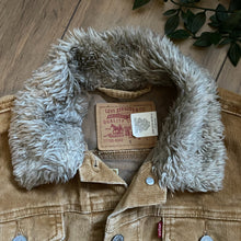 Load image into Gallery viewer, Vintage Levis Corduroy Fluff Collar, Mountain Design - Size S