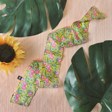 Load image into Gallery viewer, Retro Ditsy Floral Accessory Scarf