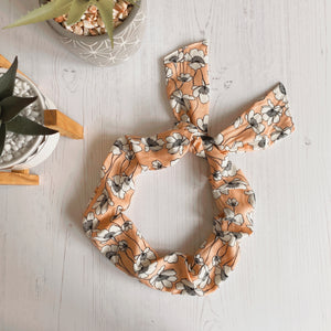 Salmon Ditsy Floral Curly Band