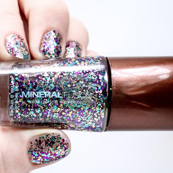vImage|Confetti|On Nails