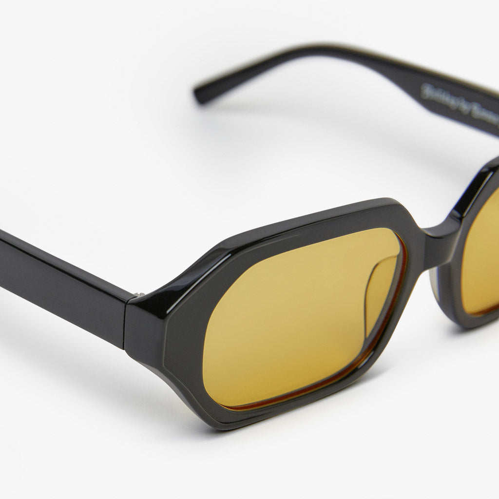 BLK - YELLOW LENS