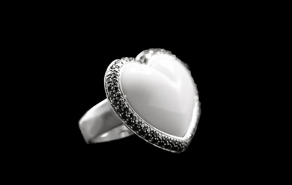 OC Romance 18K White Gold Ring with Agate and Black Diamonds
