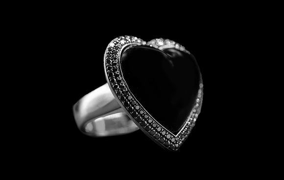 OC Romance 18K White Gold Ring with Onyx and Black Diamonds