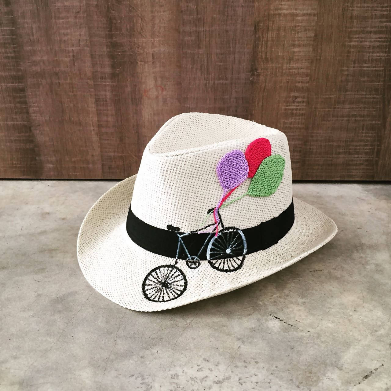 Hat - Bicycle with balloons