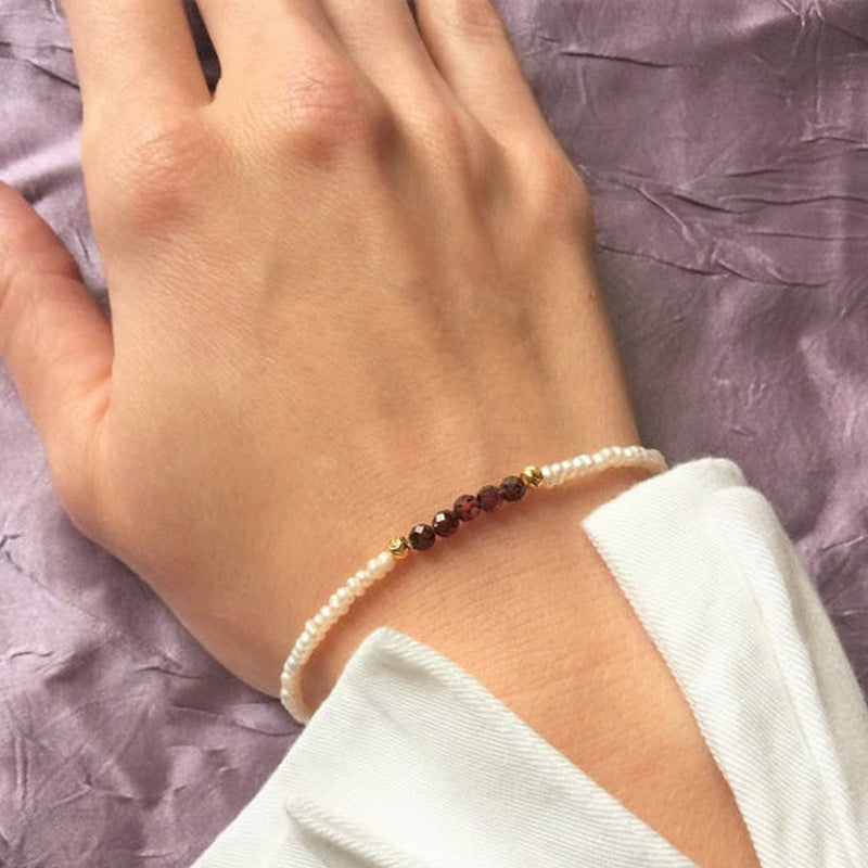 Handmade Bracelet for women with Freshwater Pearls, Garnet & 24K Gold Plated