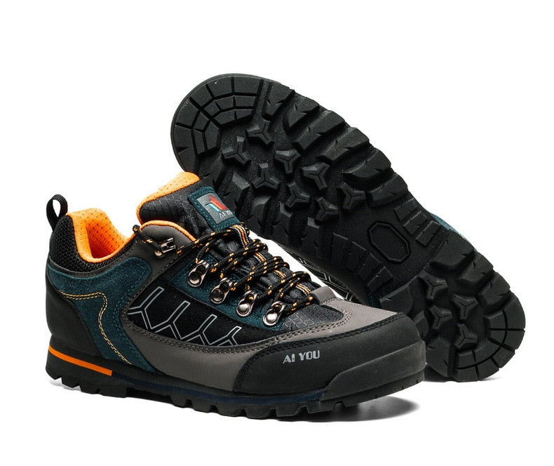 2020 Breathable hiking mesh shoes