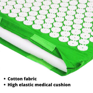 Close up of the cotton fabric and sponge cushion of the acupressure mat