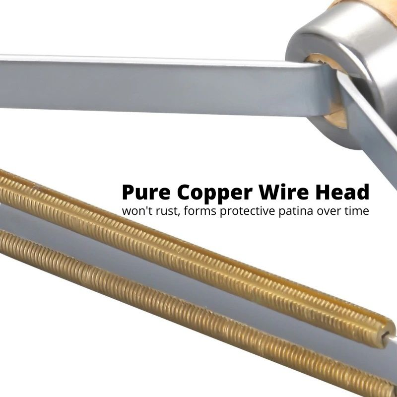 Close up of the copper wire head of the Fabric Shaver Lint Remover