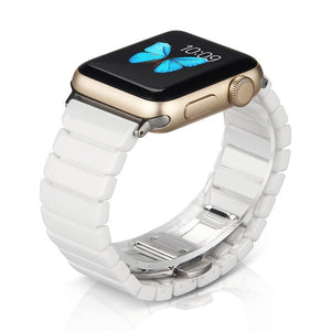 The Almighty Ceramic Band (Compatible with Apple Watch). Does not stain, does not rust, resistant to scratches, hypoallergenic, does not discolor. White color.