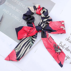 Satin scrunchie with detachable ribbon, pink black color