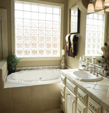 Load image into Gallery viewer, Hydro Systems ALY6642AWP Alyssa 66 X 42 Acrylic Whirlpool Jet Tub System