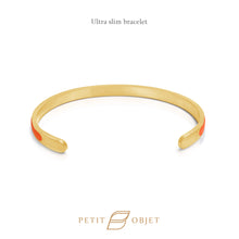 Load image into Gallery viewer, Engravable Ultra Slim Leathered-Bangle in Gold