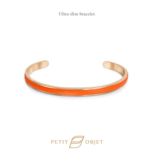 Engravable Ultra Slim Leathered-Bangle in Rose Gold