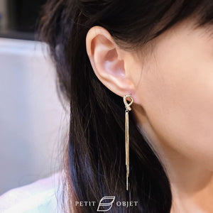 Ribbon hanging earrings E037