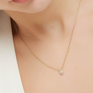 An oval cut diamond necklace N015