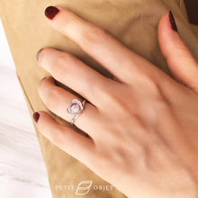 Load image into Gallery viewer, Dancing Heart Ring R031