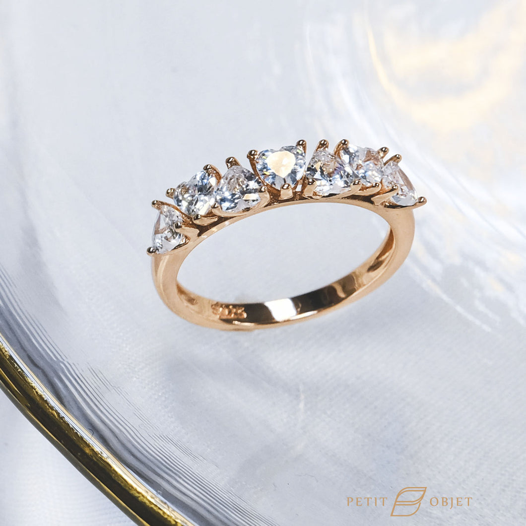 Hearts on Ring R033