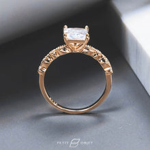 Load image into Gallery viewer, Vintage Design Ring R038