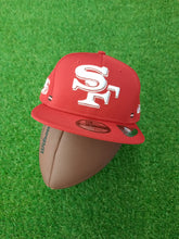 Laden Sie das Bild in den Galerie-Viewer, San Francisco 49ers New Era Snapback Flat