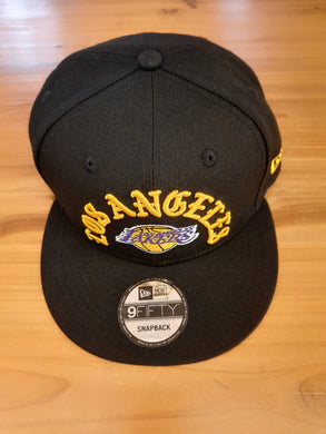 LT37 EXCLUSIVE Los Angeles Lakers New Era Snapback Font