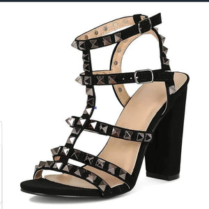 Open image in slideshow, Black Spiked Chunky Heel