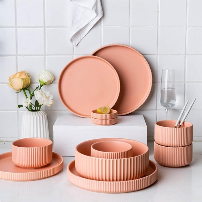 Nysse | Fluted Detail Painted Dinnerware
