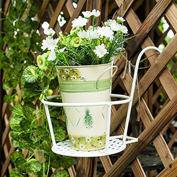 Hanging flower stand