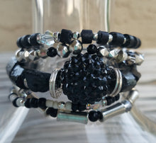 Load image into Gallery viewer, Lustrous Black Sparkle Bracelet