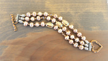 Load image into Gallery viewer, Dusty Rose Pearl and Emerald Swarovski Crystal Bracelet