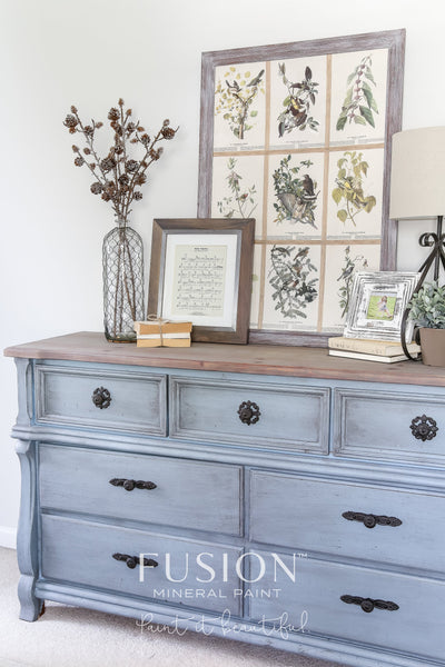 Dresser painted Champness - DIY Fusion Mineral Paint - Farmhouse Inspired