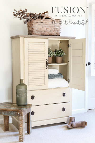 Wardrobe painted in Plaster - DIY Fusion Mineral Paint - Farmhouse Inspired