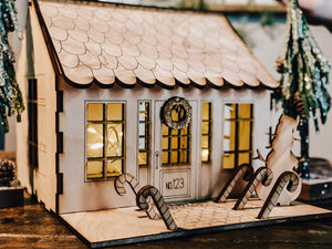 Wooden Gingerbread House Kit