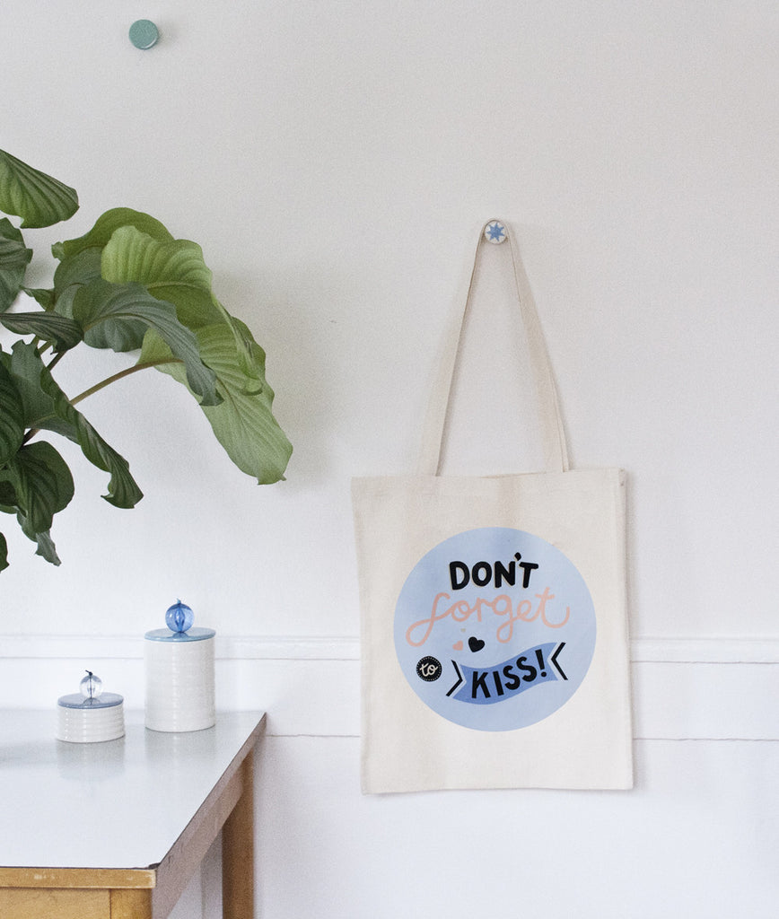 Don't forget to kiss tote bag