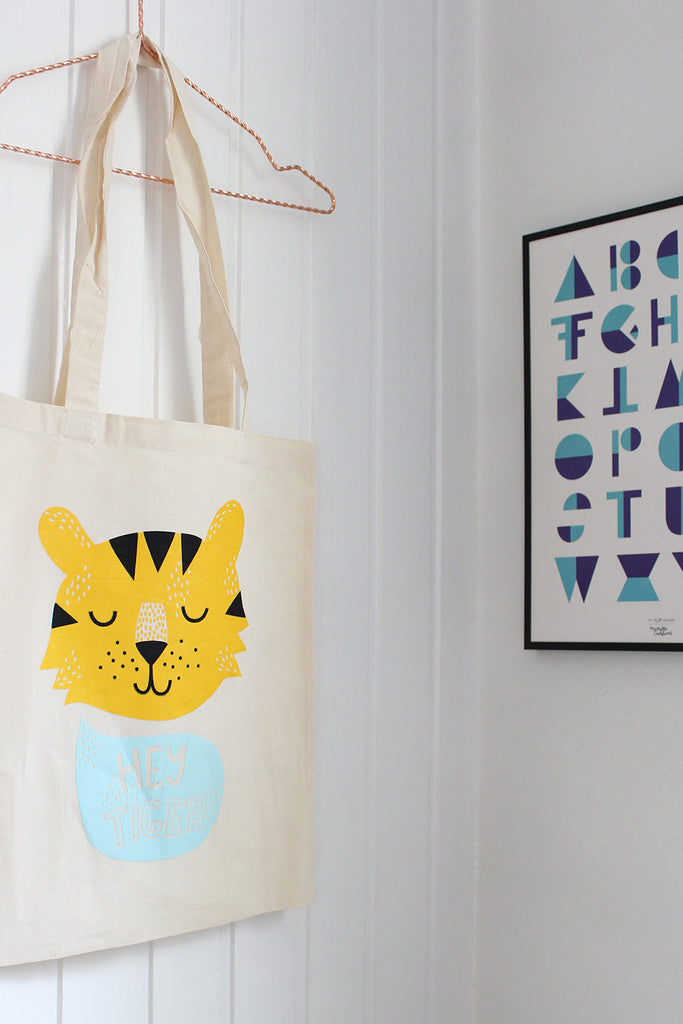 Hey Tiger Tote bag