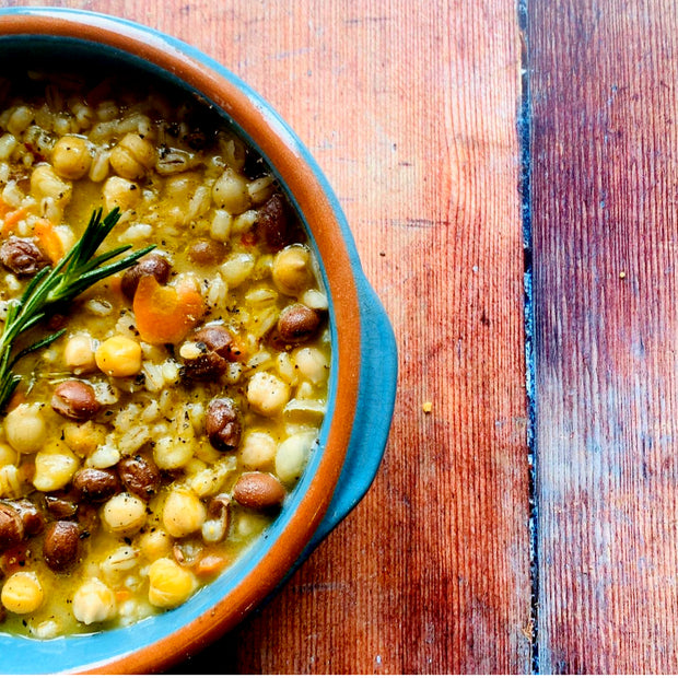 Italian spelt and legume so classic recipe from Tuscany, borlotti beans, lentils, chickpeas, spelt, all blended with the flavour of the onions, carrots and garlic.