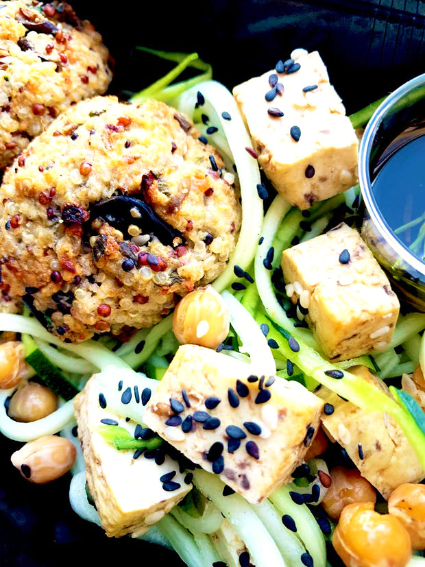 Soft and tasty quinoa and eggplant balls served with a roasted chickpeas, zucchini and marinated tofu salad, all sprinkled with black sesame seeds. Salad will be perfect with the rosemary flavoured pinzimonio sauce spread on top.