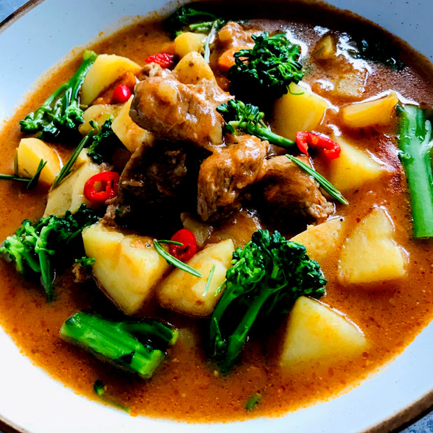 "Italian beef and potato stew with broccoli made slightly spicy prepared with extra lean meat marinated in white wine. One of the many Italian variants of the classic ""beef and potato stew"", originally from the north of Italy."
