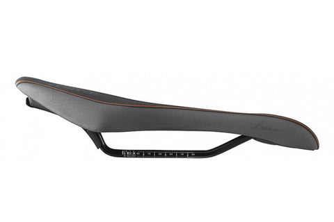 Fizik Luce Saddle