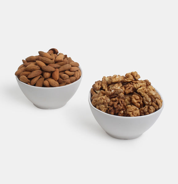 Premium Value Pack of Normal Mamra And Walnuts