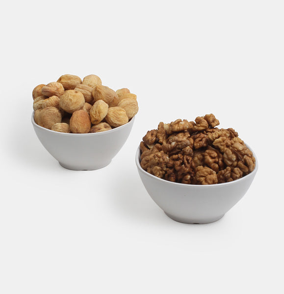 Premium Value Pack of Walnuts And Dry Apricot