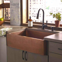 "Load image into Gallery viewer, Cardenas 33"" x 22"" Farmhouse Copper Sink"