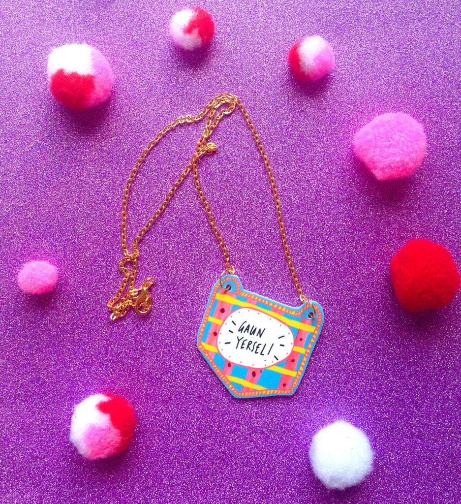 GAUN YERSEL Illustrated Necklace, Scottish Slang Quirky Fun Jewellery on Gold Plated Chain