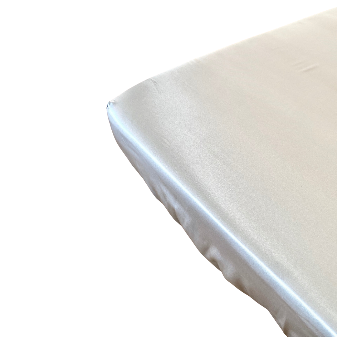 MANE Full Satin Cotbed Fitted Sheet