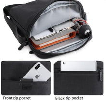 Load image into Gallery viewer, Mens Canvas Messenger Bag