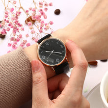 Load image into Gallery viewer, Womens Leather Watch