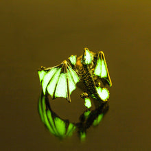 Load image into Gallery viewer, Dragon Glow In The Dark Ring