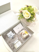Load image into Gallery viewer, Lovely candle gift set - Pick your own scent Combo!