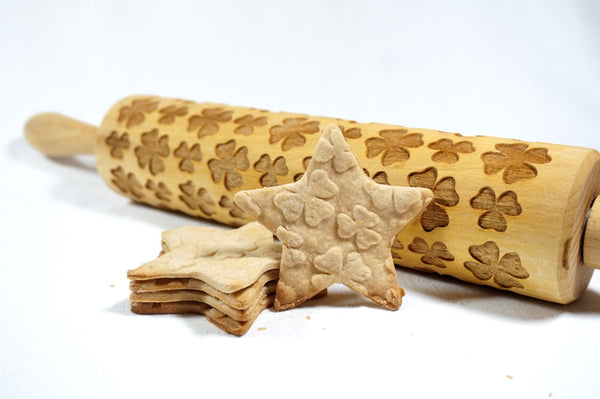 Rolling Pin Embossed with LUCKY IRISH FOUR LEAF CLOVER Pattern for Baking Engraved Cookies Size Large 16.9 inch