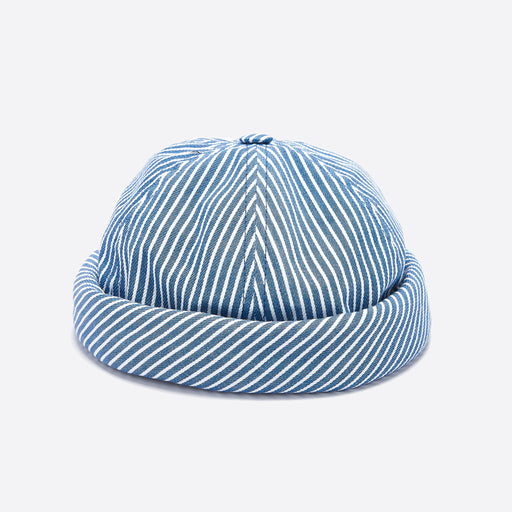 Beton Cire Miki Hat in Oshkosh Bleach